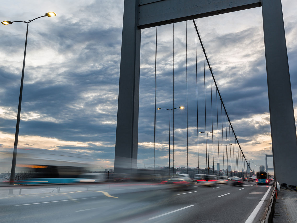 Teceo urban lighting has dramatically improved lighting levels for a safer passage on this vital gateway in Istanbul while cutting energy costs