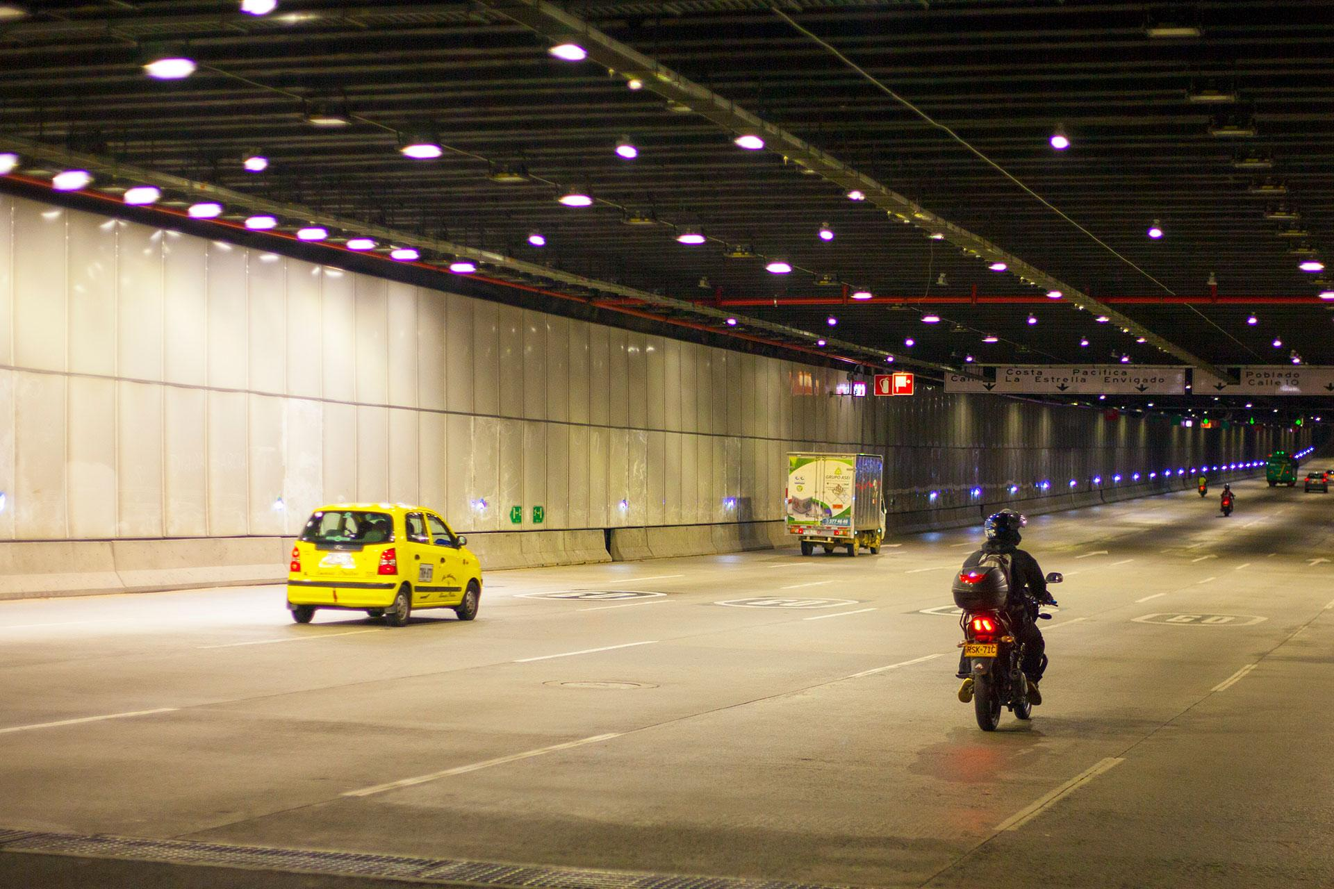 GL2 Compact ensures excellent visibility and visual comfort in this busy tunnel